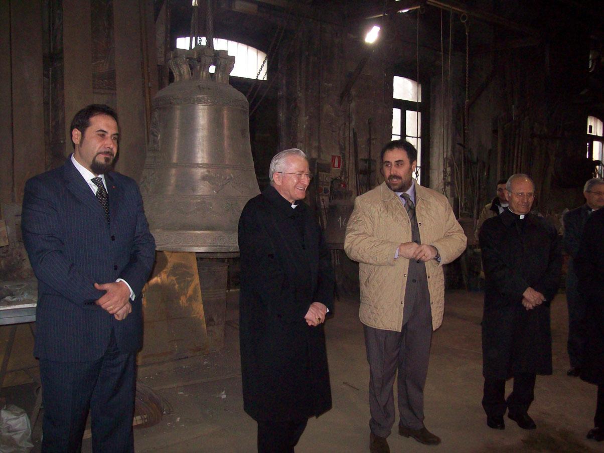 Il Cardinale Ennio Antonelli nella Fonderia Marinelli