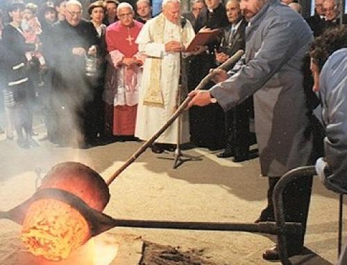 Il Papa Santo – Giovanni Paolo II – Visita la Fonderia Marinelli